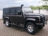 Land Rover Defender 2009